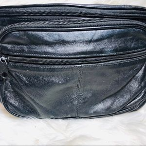 Fanny pack black leather